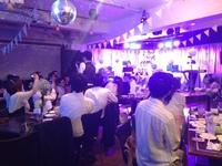 ステージ・音響・照明設備が充実した広々空間。