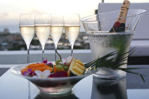 フルーツ盛り&シャンパン