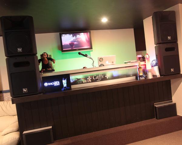 川崎 二次会 パーティ スペース カフス DJ 音楽 映像
