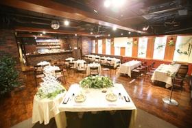 着席58名、立食100名まで可能なパーティスペース