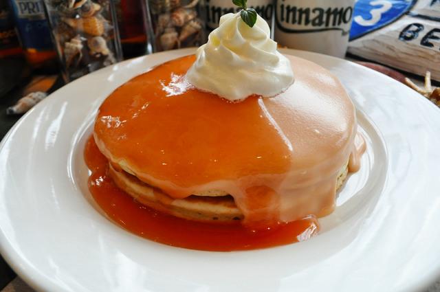当店1番人気のグァバシフォンパンケーキ