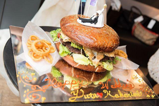 メガサイズのハンバーガー!