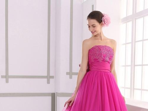 ドレスの種類は全100種類
