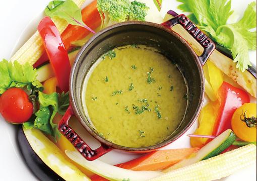 野菜を美味しく味わえるバーニャカウダ