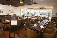 リゾートの風を感じるハワイアンレストラン