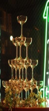 定番のシャンパンタワー